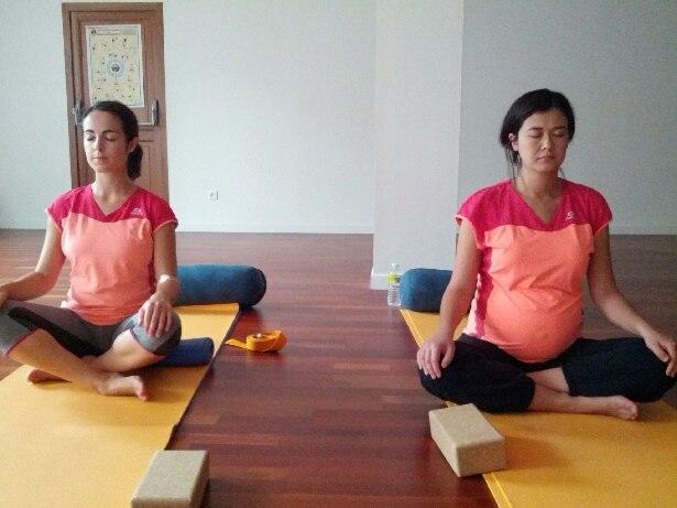 yoga prenatal ysânanda yoga bordeaux - yoga grossesse - yoga femme enceinte